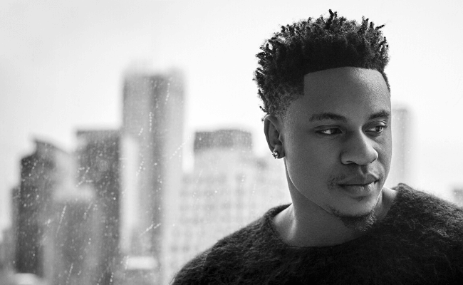 Watch Rotimi's electrifying acoustic performance of Love Riddim on Sidomex