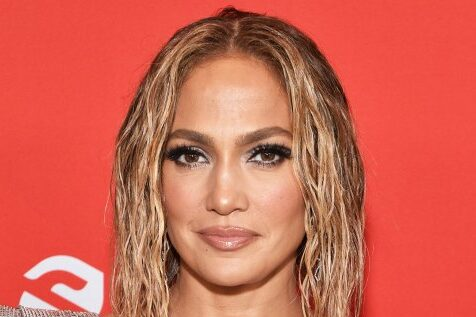 Jennifer Lopez goes nude in cover art for her