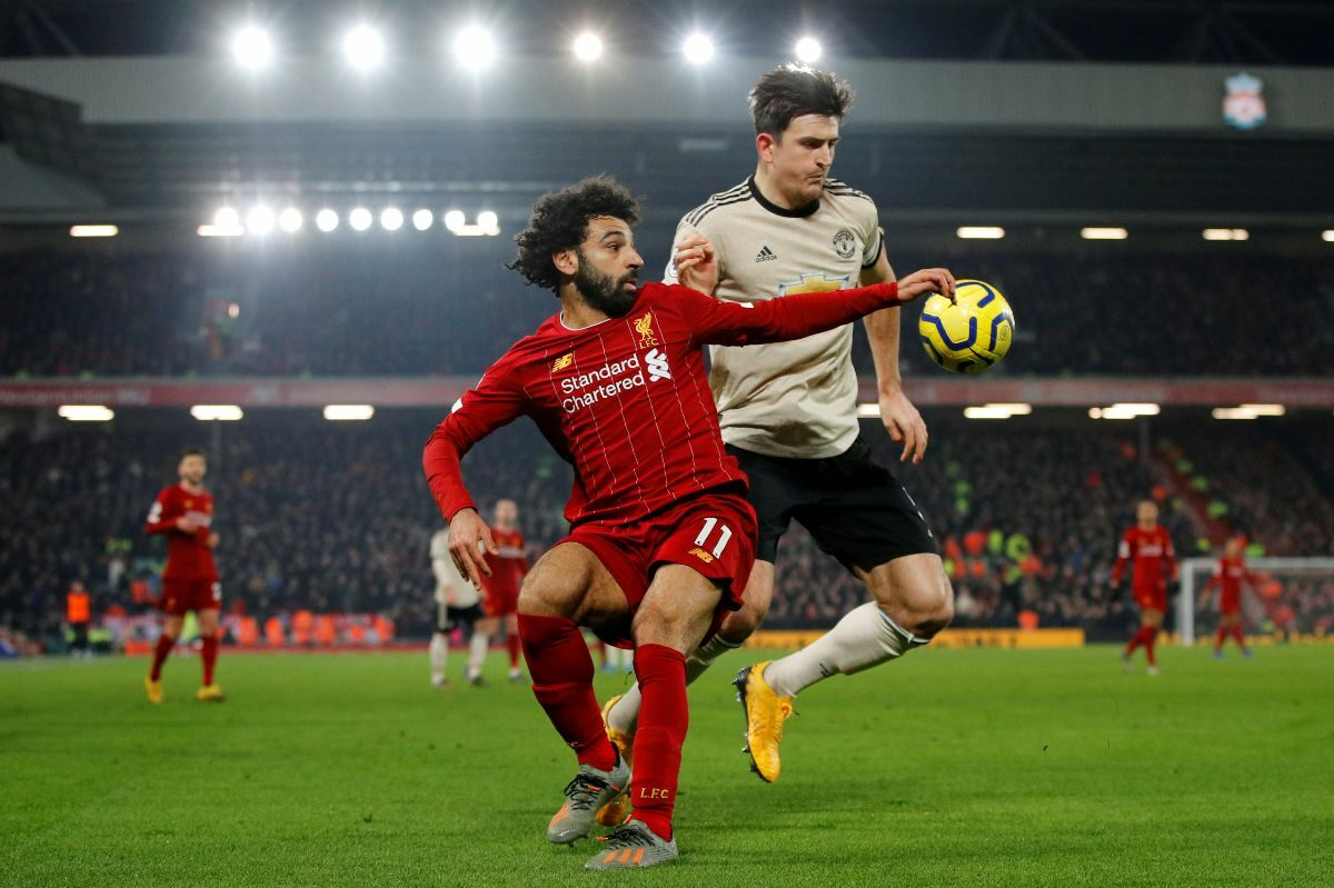 Liverpool takes on Manchester United in battle for Premier League top spot