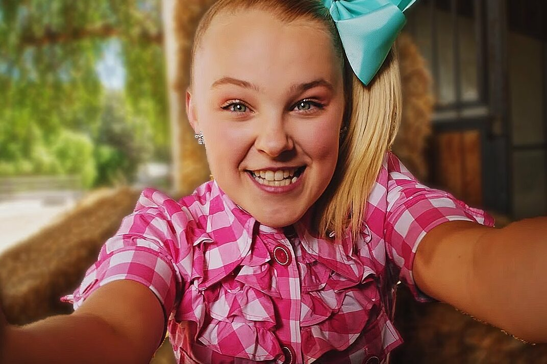 Jojo Siwa praises her 'supportive' parents after she confirms her LGBTQ+ status