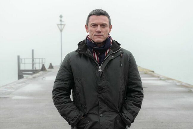 Luke Evans good look Pembrokeshire Murders series