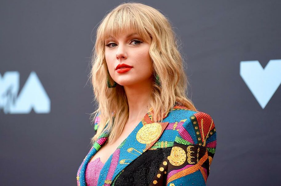 Taylor Swift gets ninth number 1 Billboard album with
