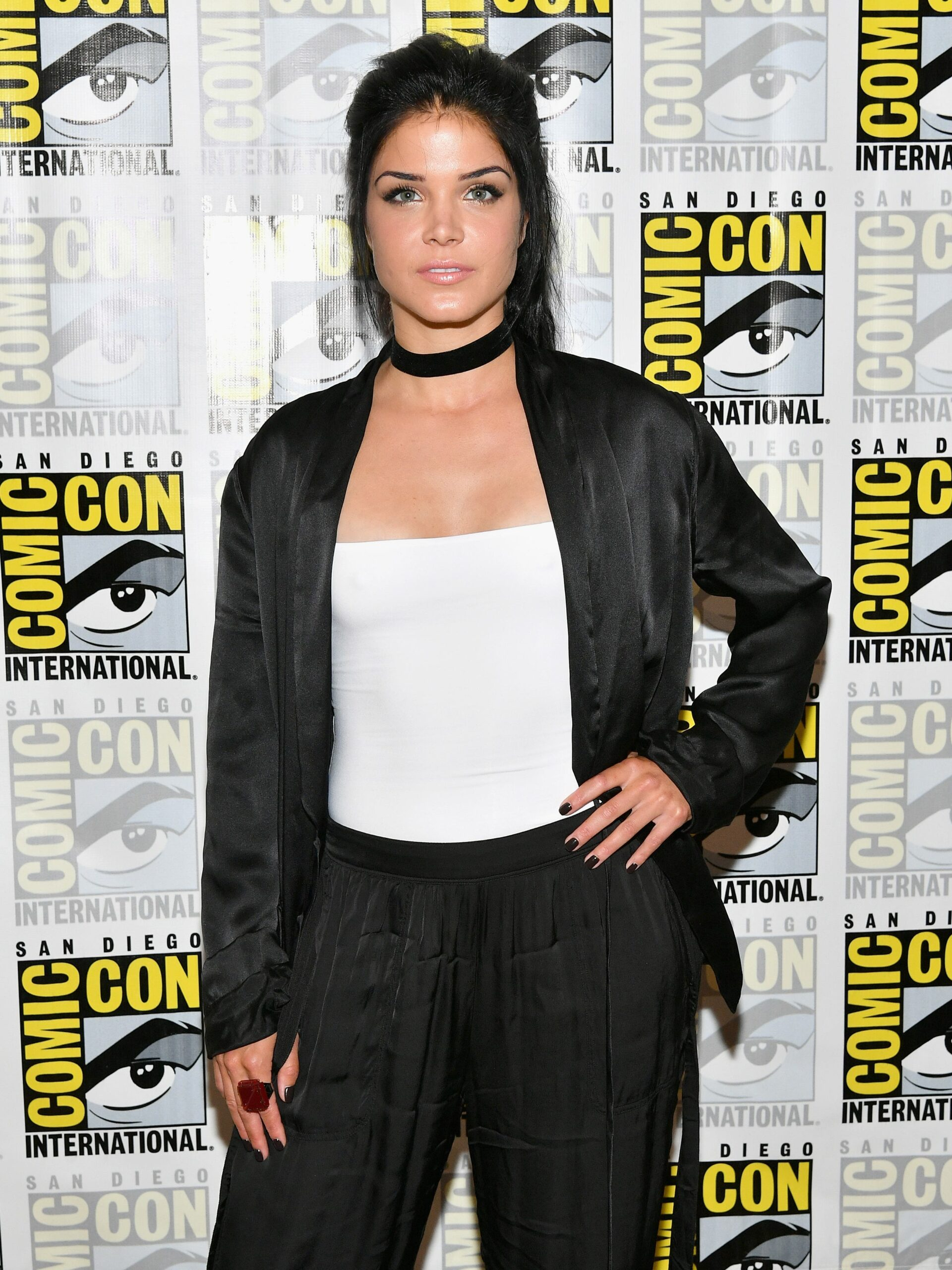 """Marie Avgeropoulous biography: How old is star of """"The 100"""", husband, movies, domestic violence incident"""